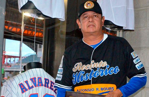 """Octavio """"Tavo"""" Álvarez, nuevo coach de pitcheo de los Leones"""